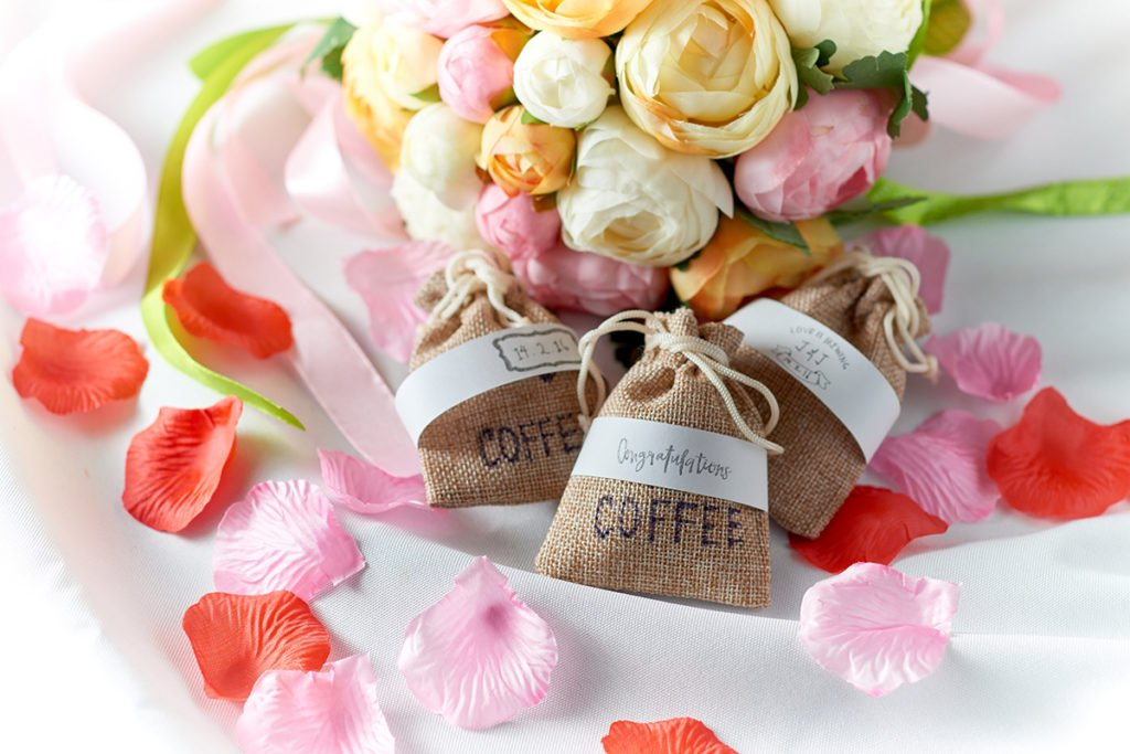 wedding favor coffee bag serving