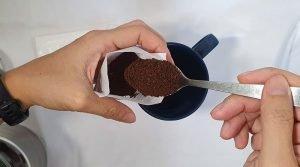Brew kopi with filter bag